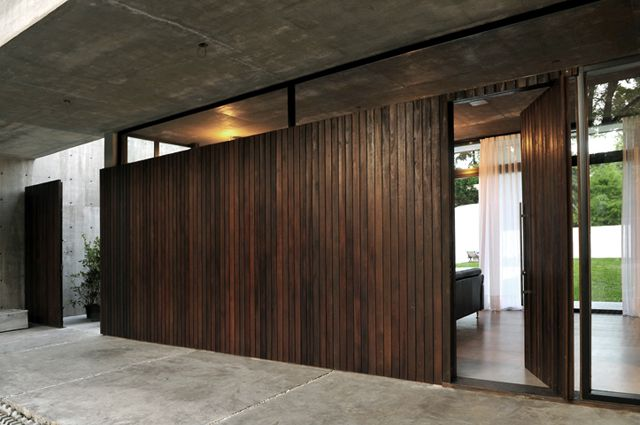 VSL House  #Architecture #Arquitectura #Design #Disenio http://vanguardaarchitects.com/what-we-do.php?sec=house&project=119