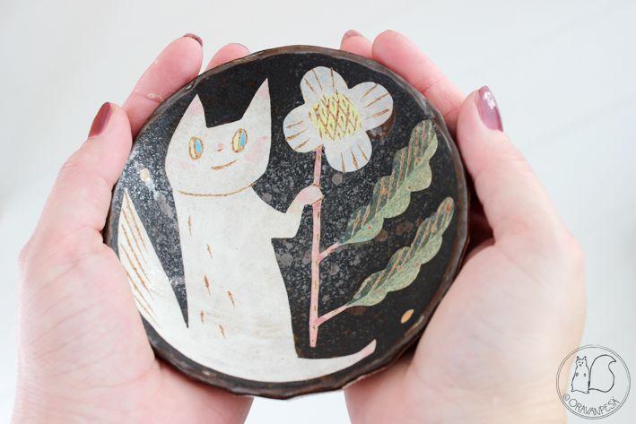 Oravanpesä: KISSA + KUKKA -KULHO -design Makoto Kagoshima.