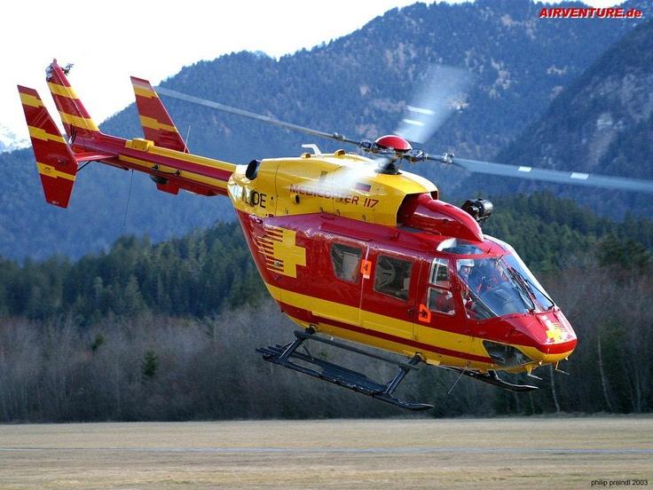 """Lot śmigłowcem. Najchętniej tym, który """"grał"""" w serialu Medicopter 117. :)"""