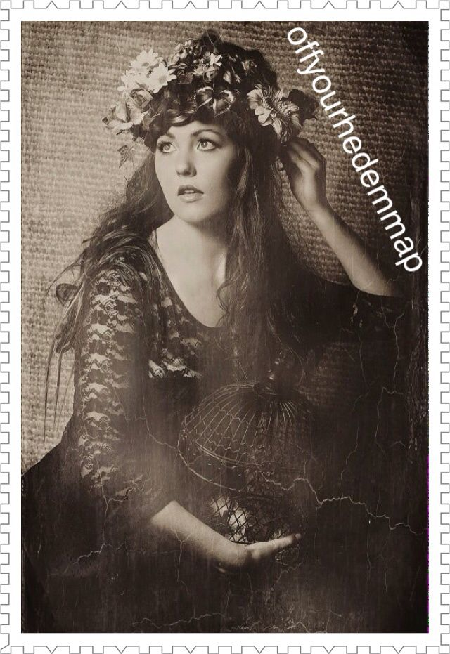 Vintage glamour flower hair bird cage