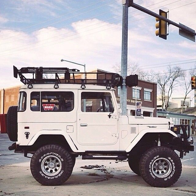 Toyota Land Cruiser Had One Just Like This Was A Go Anywhere Vehicle Cb Handle In 75 White Shadow Four Wheeling All