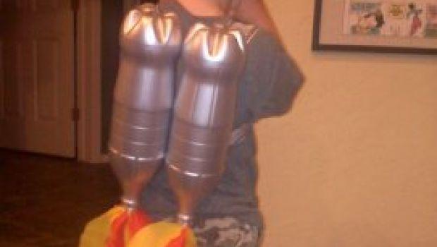 Se il vostro piccolo ha il sogno di diventare astronauta, costruite per loro un divertente jet pack.