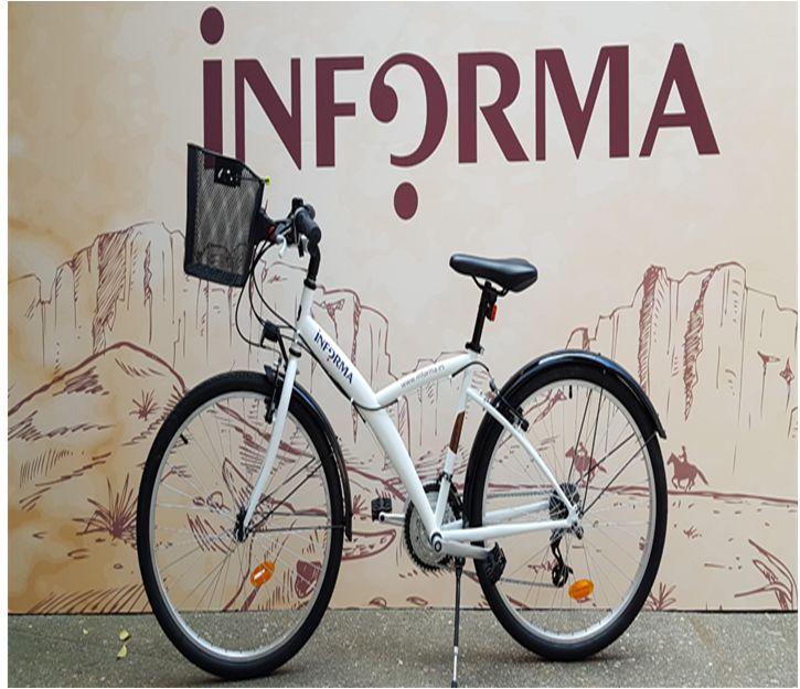 """INFORMA SALUDABLE ha puesto en marcha """"Monta en bici"""", una iniciativa que fomenta el compromiso de vida saludable. Ya están disponibles 6 bicicletas para: - realizar desplazamientos entre edificios - ir a comer por los alrededores de la oficina - hacer deporte  La reserva de la bicicleta es posible realizarla a través de Outlook y a continuación... ¡¡sólo es necesario recoger la llave y el casco!!  Ya llega el verano... y es una forma sencilla de hacer deporte!! ¿Os animáis a usarlas?"""
