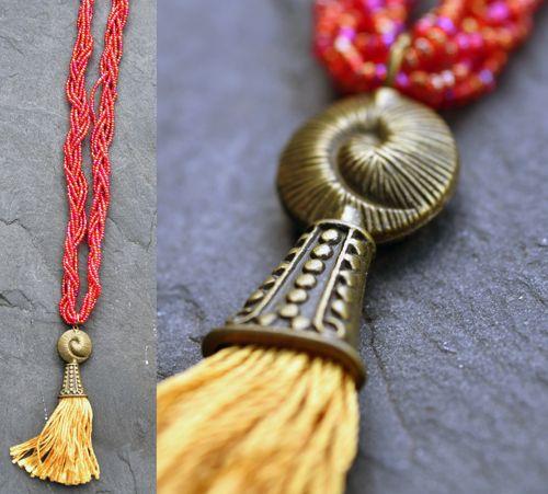Červeno-oranžový náhrdelník