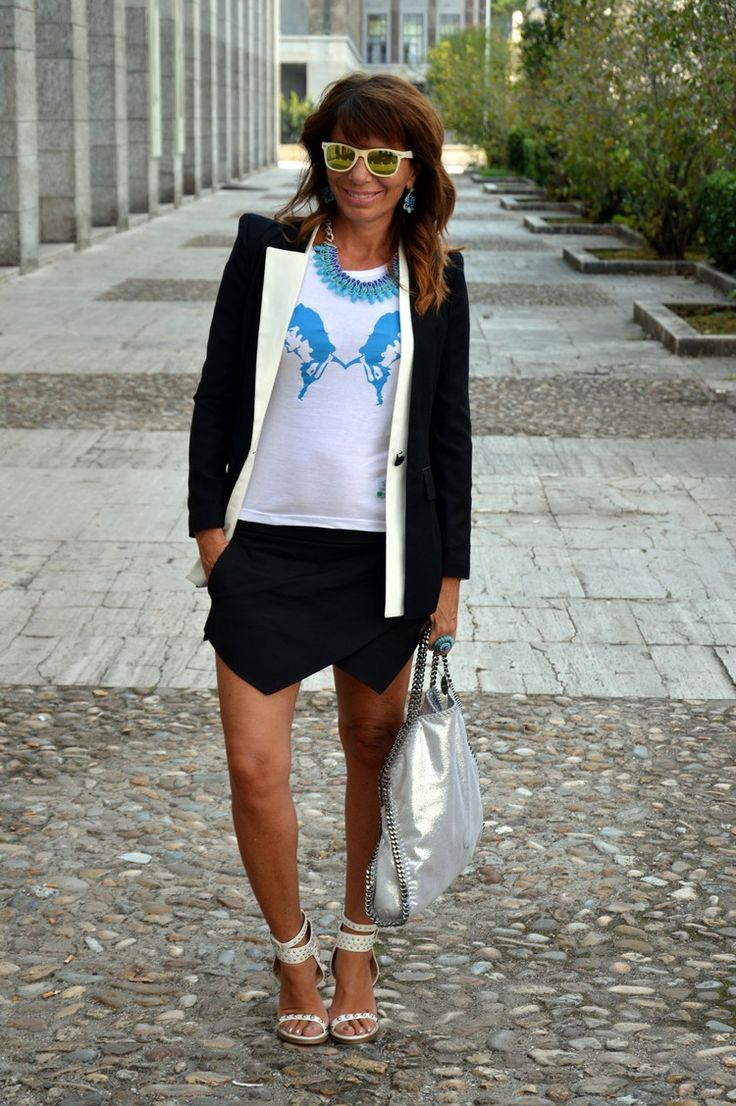 Francesca Romana Capizzi in BLUE Chimaera - SJF Company Woman Collection http://www.dontcallmefashionblogger.com/2013/09/zara-skorts-part-2-roma-eur.html?m=1