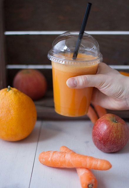 Gulerodsjuice med æble og appelsin (10) by louisesmadblog, via Flickr