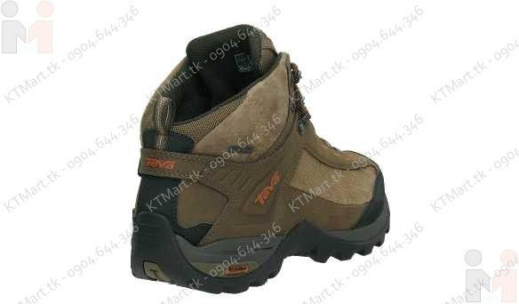 Lightweight Hiking Boots for Men http://www.uksportsoutdoors.com/product/hilly-mens-marathon-fresh-running-socks/