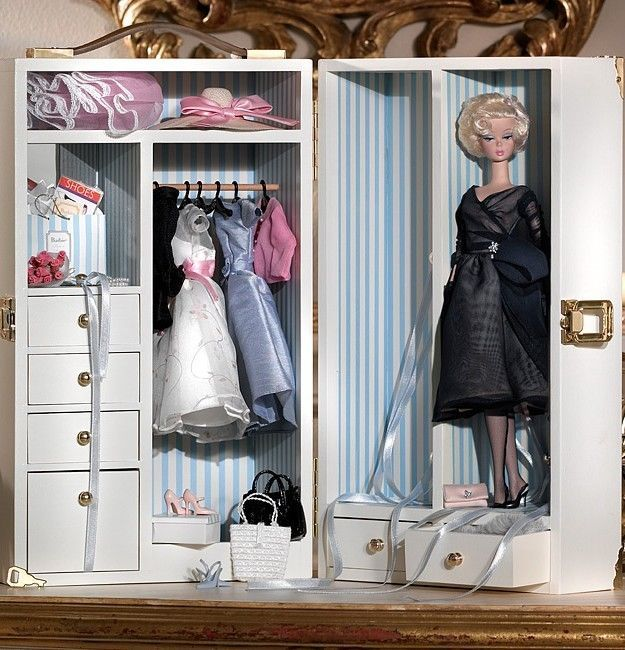 Barbie Silkstone Wardrobe Carrying Case With Doll