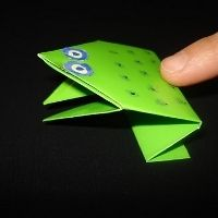 Kids will love making this easy origami frog