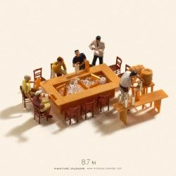 An artist creates picture with miniature figures everyday for 5 years!