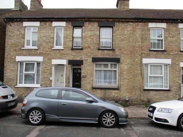 Property for sale in Bedford MK42 - Flats & Houses for sale in Bedford