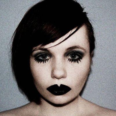 #black #lipstick #stargazer #makeup #make-up www.attitudeholland.nl #edgy #gothic