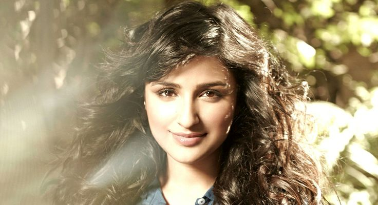 Parineeti chopra Cute Pix