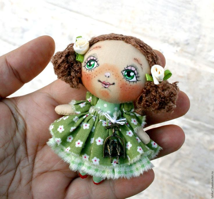 Купить Брошь девочка в зелёном. Брошь куколка. - зеленый, брошь девочка, брошь куколка