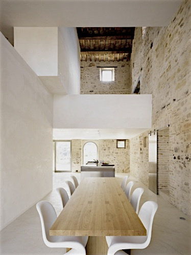 trasformazione casa he. a treia, marche, italia by Wespi De Meuron architetti