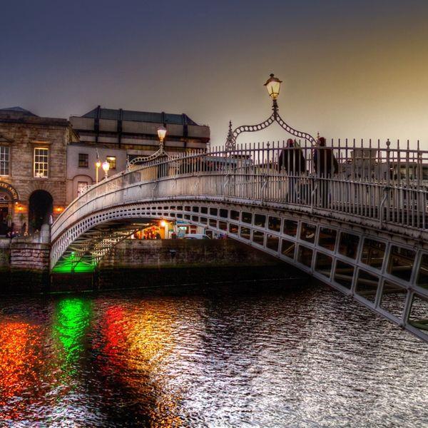 HaPenny Bridge - Dublin, Ireland: Ha Pennies Bridges, Dublin Ireland, My Photography, Hapenni Bridges, Ireland Mi, Half Pennies, Dublin Bridges, Amazing Bridges, Dublin London