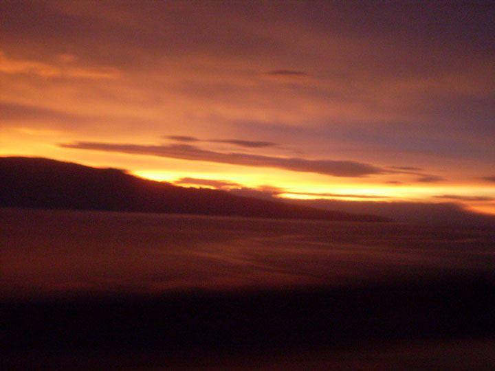 Pôr do sol em uma tarde no Lago Toba (Foto: Matheus Pinheiro de Oliveira e Silva)