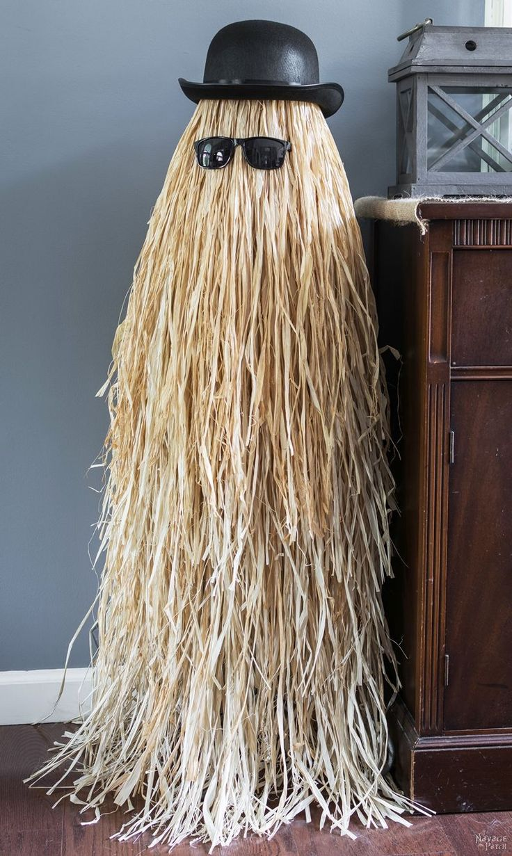 Cousin Itt {Halloween prop}   Easy and budget friendly DIY Halloween prop  DIY Addams Family prop  Step-by-step tutorial for DIY Cousin Itt   DIY Dollar store Halloween decorations  Upcycled tomato cage to Halloween decoration   Before & After   TheNavagePatch.com