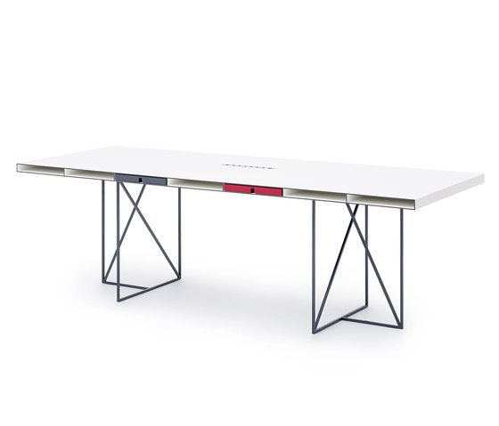 WOGG CARO Desk Grande by WOGG | Individual desks