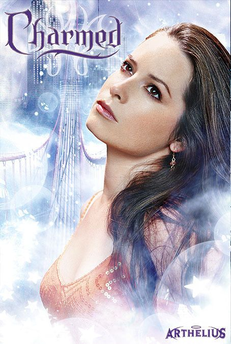 Holly Marie Combs(as Piper Halliwell)