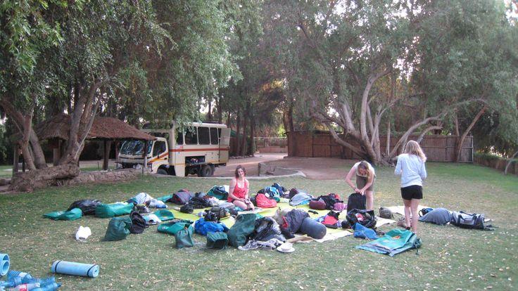 Setting up camp at Fiddler's Creek, at the 'Groot Gariep' (Orange River)