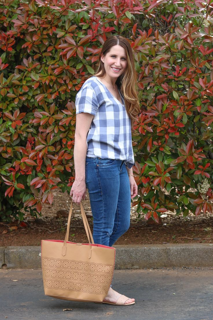 weekend outfit, casual outfit, plaid shirt, summer style, spring style, old navy tote, laser cut lace