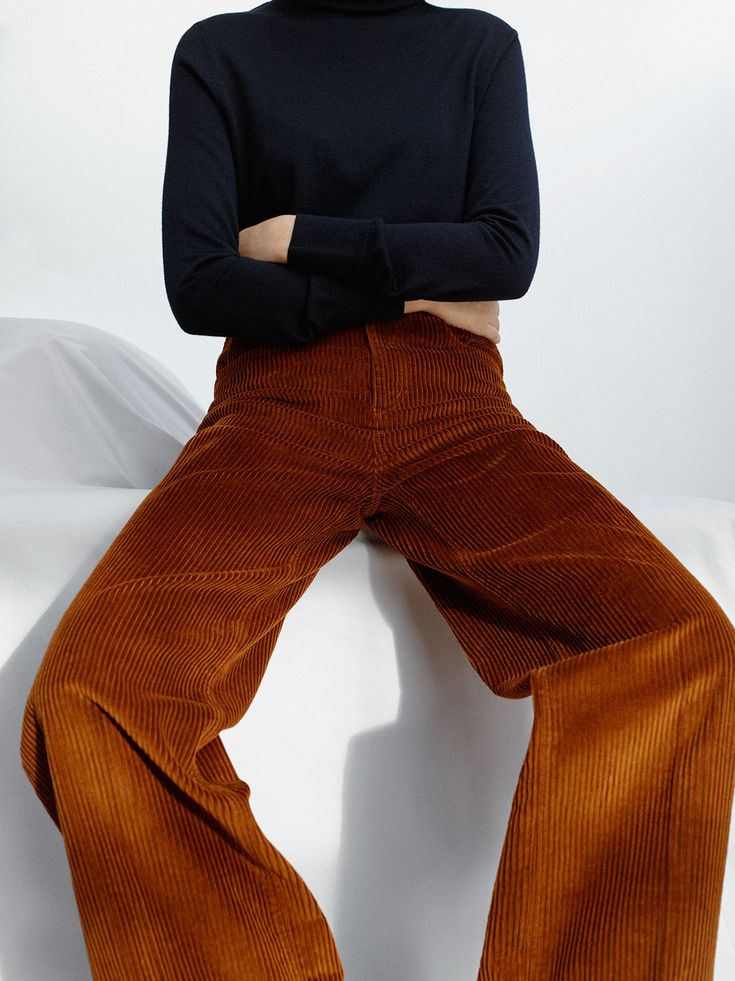 velvet ◆ COS | modern corduroy pant ambiance fall automne