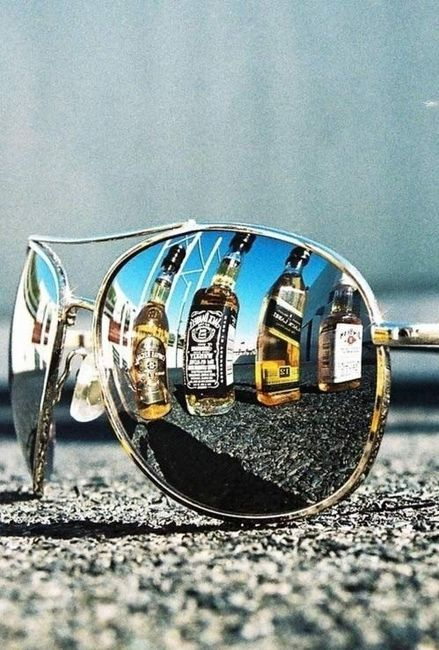 We like the #shades, but the reflection of the #glasses - we like even more.