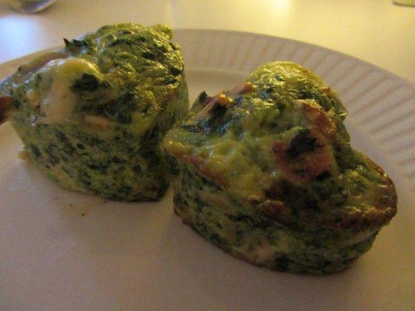 Spinazie-kaas muffins. Koolhydraatarm! Van dit recept http://www.muffinsbakken.nl/Spinazie_kaas_muffins.html
