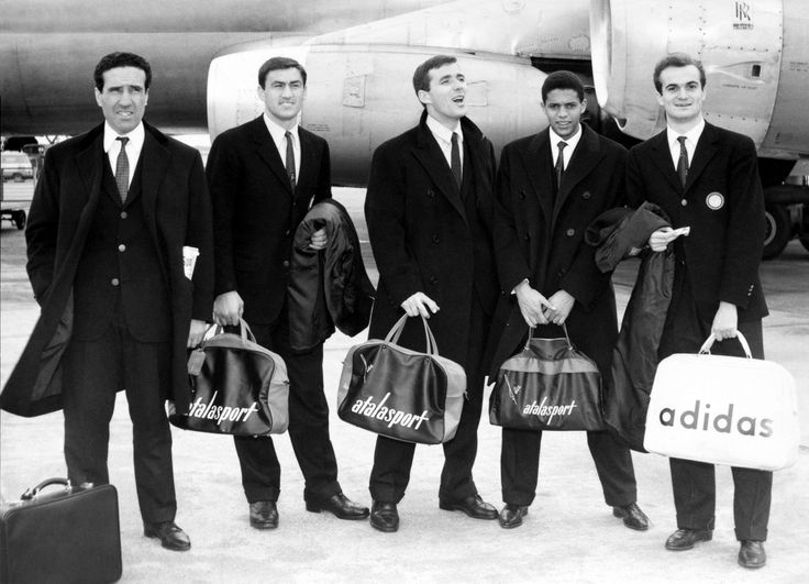 Helenio Herrera, Tarcisio Burgnich, Saul Malatrasi, Jair et Sandro Mazzola (Inter Milan) 1965