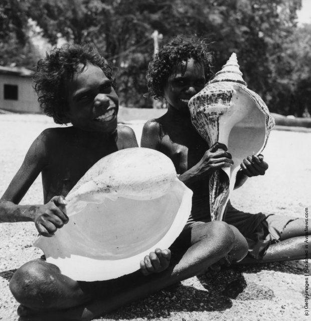 Los Aborígenes Australianos provienen de la primera migración de los humanos de áfrica sin mezclarse con otras migraciones.