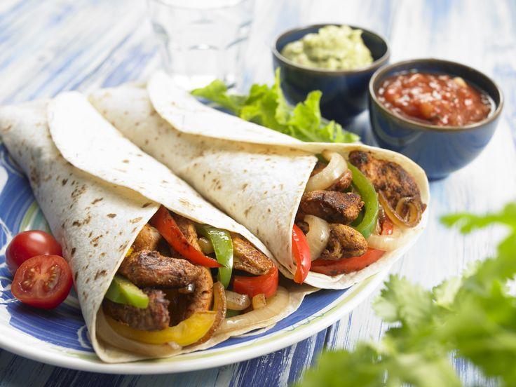 Las fajitas son uno de los platos más tradicionales de la cocina Tex-Mex y norte de México. Consiste en carne asada a la parrilla y cortada en tiras, servida sobre una tortilla de harina de maíz o trigo. Originariamente se elaboraban sólo con carne de vaca; hoy en día se han popularizado con carne de cerdo, pollo, incluso camarones. Los condimentos más populares para acompañar son la crema agria, el guacamole, pico de gallo, queso y tomate.