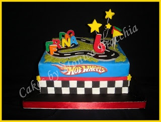 TORTA DECORADA PISTA DE CARRERAS HOT WHEELS   TORTAS CAKES BY MONICA FRACCHIA