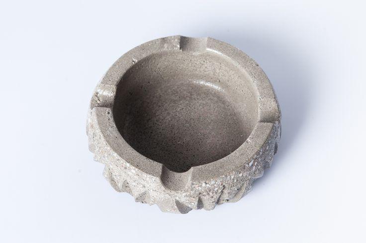 #concrete #ashtray #handmade #beton #greece #greymatters www.greymatters.gr