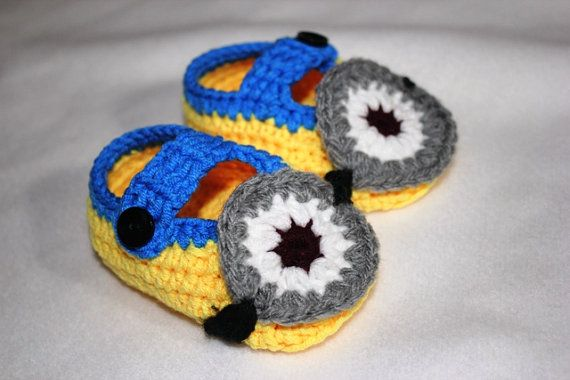 Crochet Minion Booties, Girls/Boys Minion Shoes in Yellow and Blue