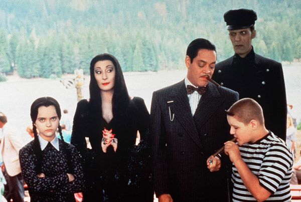 Comics-to-Film: ADDAMS FAMILY VALUES - CultureMass
