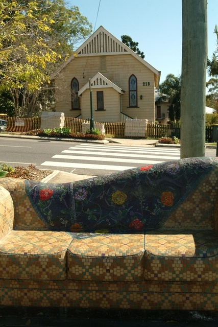 'Genoa' public art at the corner of Latrobe Terrace and Wilden Street, Paddington. This couch sits on a viewing platform just off the footpath. From the street it looks like a beautiful abandoned couch. #brisbanepublicart