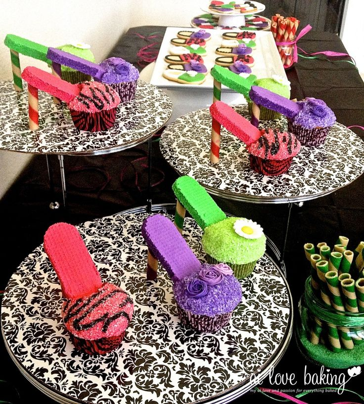 Edible Fashion! High heel cupcakes and make-up/purse cookies perfect for a girl's party.