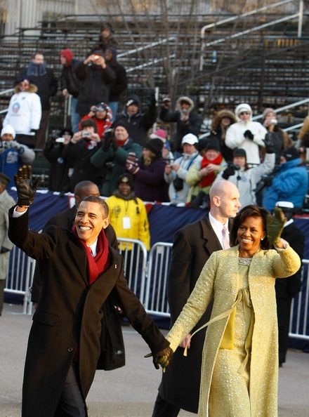 Michelle Obama Barack Obama Photos - US President Barack Obama and First Lady Michelle Obama arrive at the Presidential Reviewing Stand for the Inaugural Parade January 20, 2009 in Washington, DC. Obama was sworn in as the 44th President of the United States, becoming the first AfricanAmerican to be elected President of the US. (Photo by Alex Wong/Getty Images) <i></i>* Local Caption <i></i>* Barack Obama;Michelle Obama - Barack Obama Is Sworn In As 44...
