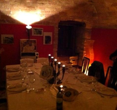 Possible place to eat night of the 18th on our way to Puglia - Photo of La Vineria di Salnitro