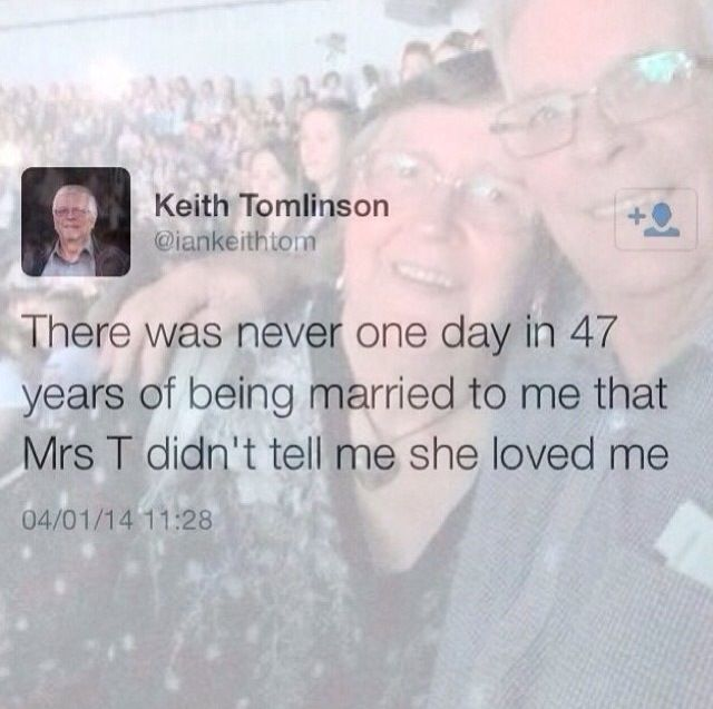 R.I.P grandma Tomlinson. I'm praying for Lou, his family and everyone affected by her passing.❤️