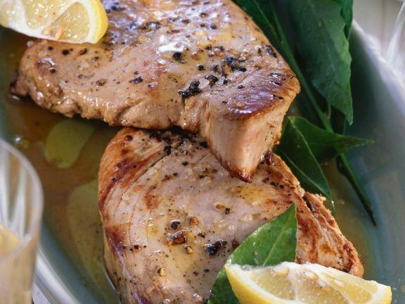 Gebratener Thunfisch ist ein Rezept mit frischen Zutaten aus der Kategorie Meerwasserfisch. Probieren Sie dieses und weitere Rezepte von EAT SMARTER!