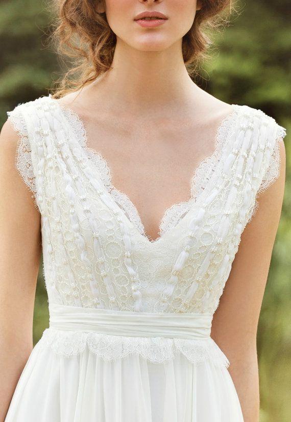 Designer Wedding Dress Bohemian Wedding dress by MariStyleCouture