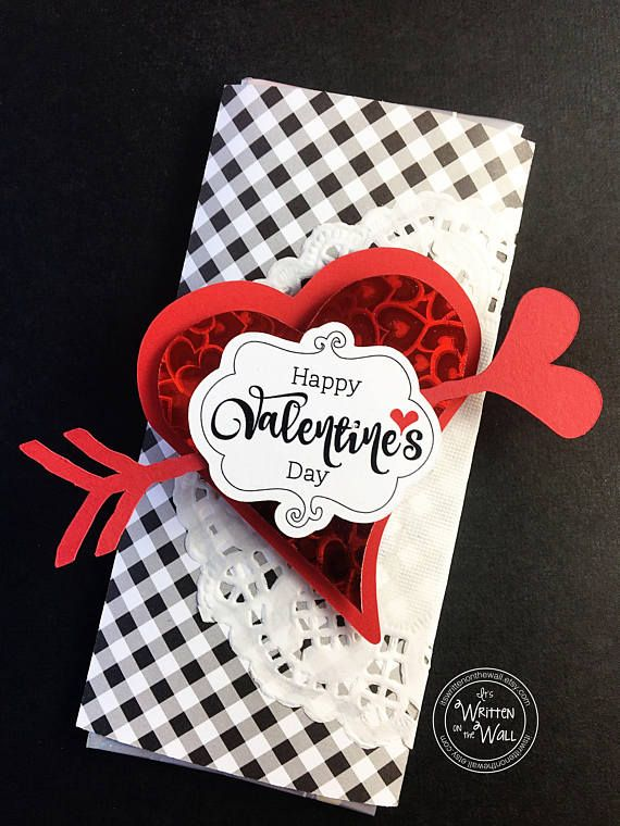 Valentines Day Chocolate Bar Wrappers, Valentine Chocolate Bar Wrap, Candy Bar Wrap, Hershey Chocolate Bar, Hershey Chocolate Bar Wrap, Valentines Day Treat, Valentines Day chocolate Wrapper Heres a fun way to give chocolate this Valentines day....whether its for your