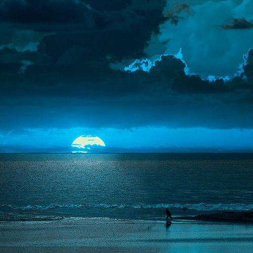 Don't know if I've ever seen a true blue moon? Blue moon in Campania, Italy
