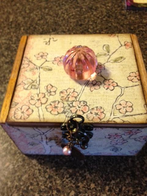 142 best cigar boxes images on pinterest cigar box for Cardboard cigar box crafts