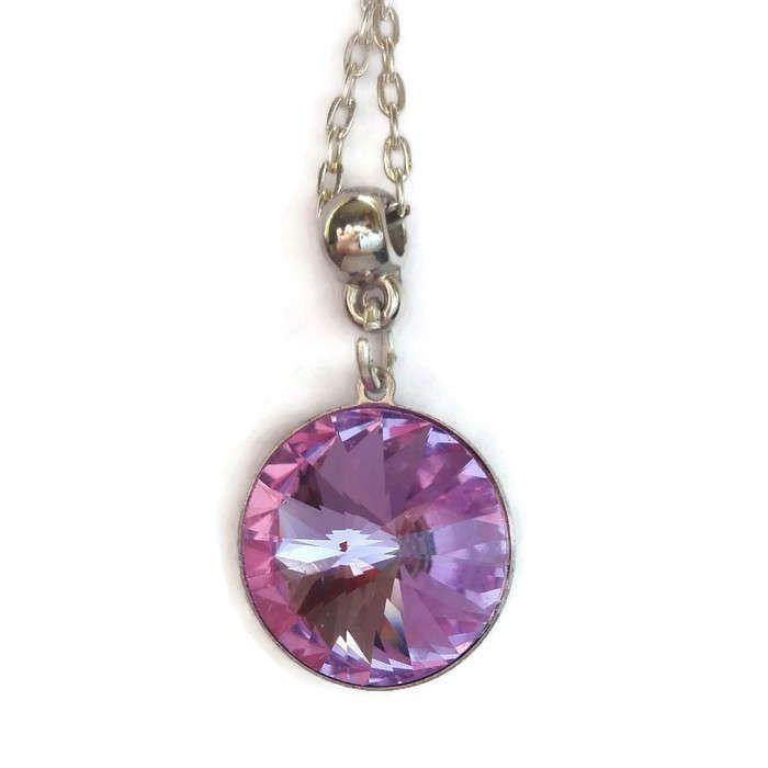 Collana in metallo con ciondolo/ rivoli  montato su castone pendente/ regalo per lei/ regalo di fidanzamento/ regalo per la mamma di CoccinellaShop83 su Etsy