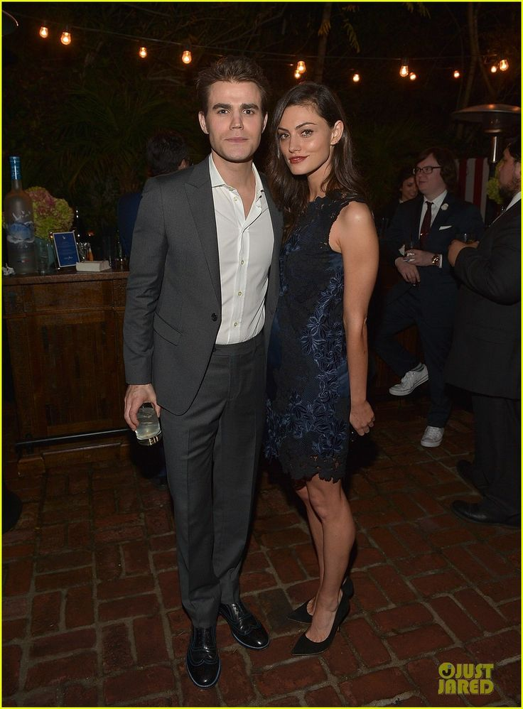 Paul Wesley & Phoebe Tonkin Couple Up at Chateau Marmont! | paul wesley phoebe tonking couple up for chateau marmont date night 03 - Photo
