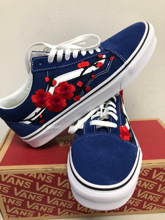 3b9bd8a22a6 Old skool Vans, embroidered Vans, floral Vans, Vans rose, custom ...