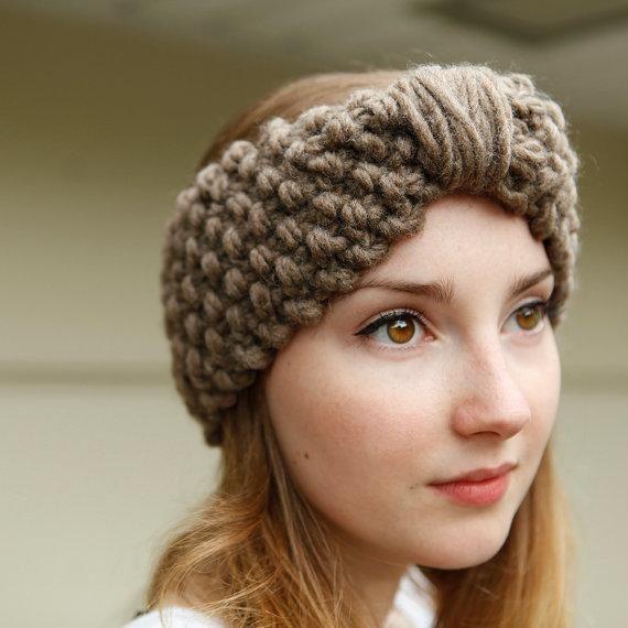 We love the retro-glam look of this handmade winter headband. #etsyfinds